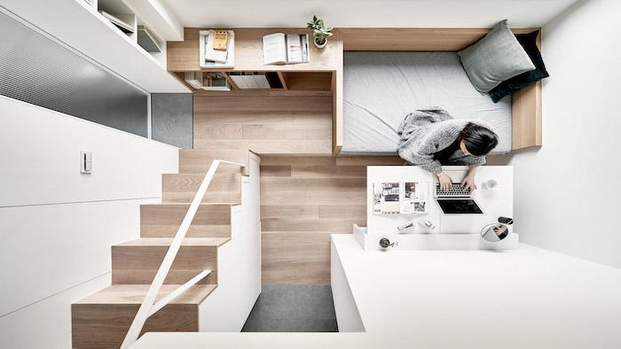 architecture moderne d interieur en bois avec lit petit bureau pliant, lit mezzanine et meuble bas bois, architecture japonaise gain de place