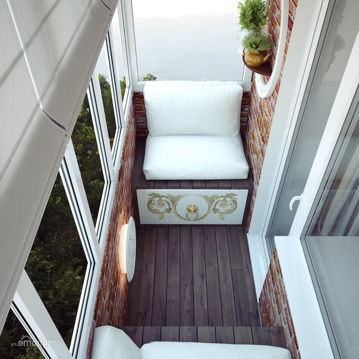 deco minimalisste de balcon étroit avec des fauteuils de bois et coussin d assise blanche, revetement murs imitation briques