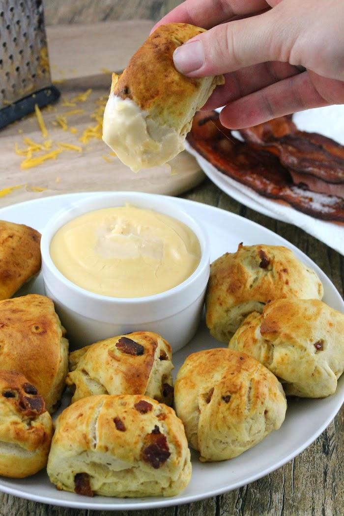 Originale idee repas fete de famille, pâte avec jambon, idée de repas d anniversaire, sauce pour l'entrée