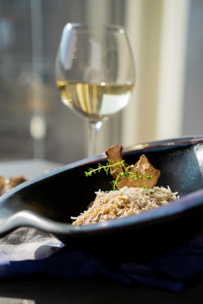 risotto champignon a faire soi meme avec du parmesan, thym frais et champignons séchés en top