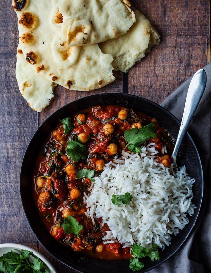 idée de pois chiches au curry avec du riz, idée repas oriental, recette pour le soir sans viande
