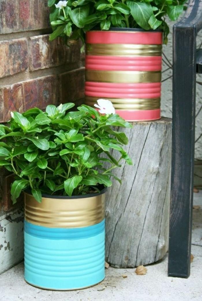 que faire avec une boite de conserve vide, fabriquer un pot à fleur original avec boîte aluminium recyclée et repeinte