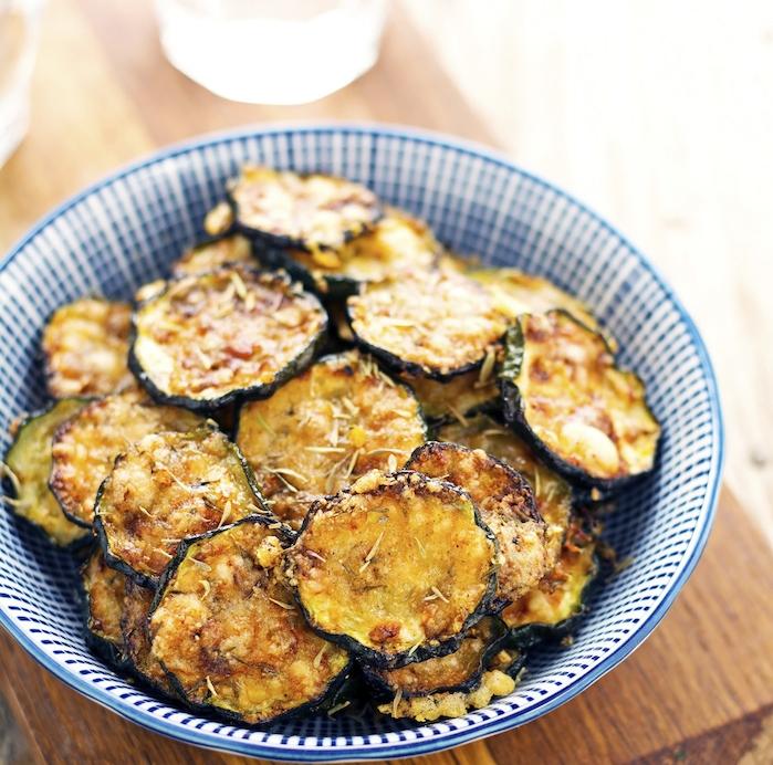 recette apéro végétarien réussi avec tranches de courgette frites, repas vegetarien facile et rapide