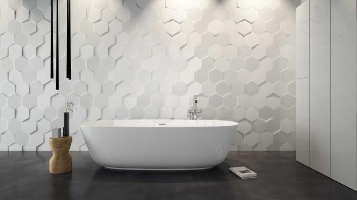 quel panneau décoratif mural pour salle de bain, exemple salle de bain contemporaine aux murs en panneaux blancs