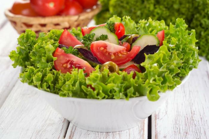 salade verte, laitue verte, tomates, concombres, recette minceur aux laitues et aux tomates