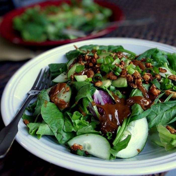 noix de noyer, laitue, salade légère aux concombres, entrée salade, vinaigrette salade
