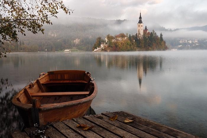 Bled paysage d'automne, Slovenia photo de paysage ile avec batiment, idée fond d'écran ville