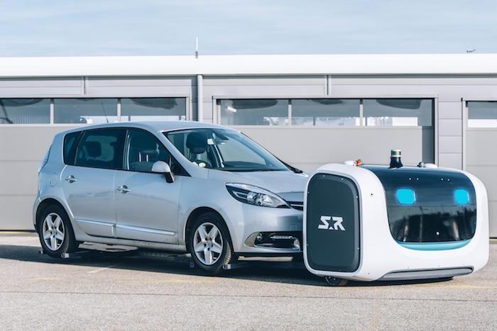 le roboto stan de stanley robotics gare les voitures et gère le parking tout seul de l'aéroport de lyon saint exupéry