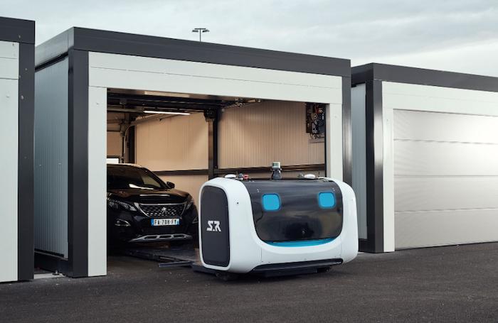 Stanley robotics a lancé son robot voiturier Stan capable de garer les voitures sur le parking de l'aéroport de lyon saint exupéry
