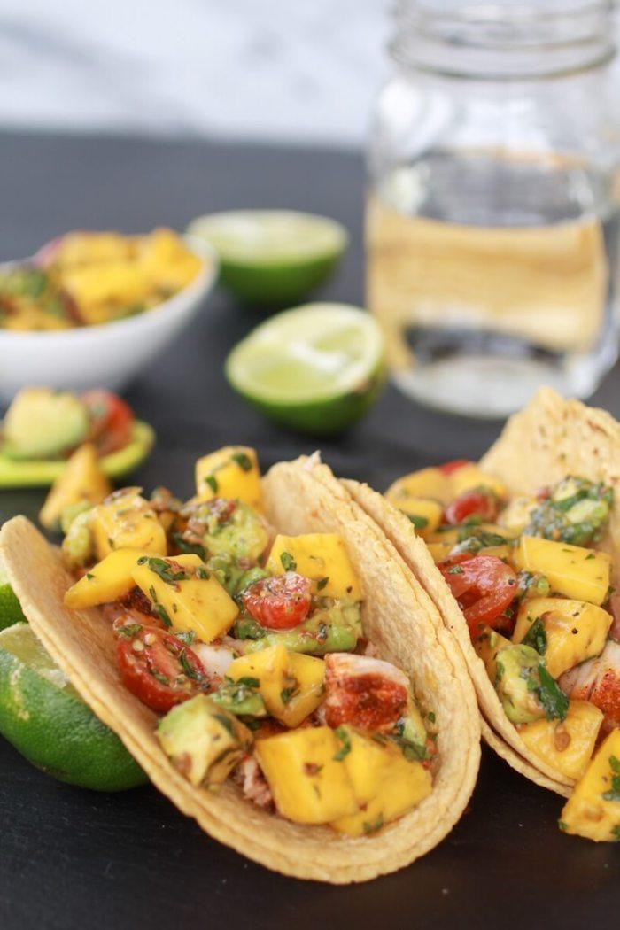 Simple idee diner, idée repas anniversaire, comment preparer un apero taco avec sauce de citron