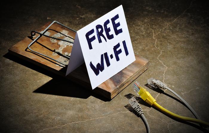 illustration du danger qui représente les réseaux wifi publics non sécurisés et l importance dun VPN