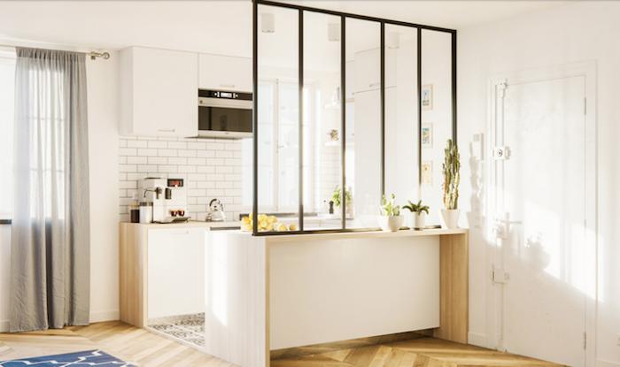 photo modèle de verrière atelier pour séparation de cuisine américaine posée sur meuble bar et faite sur mesure