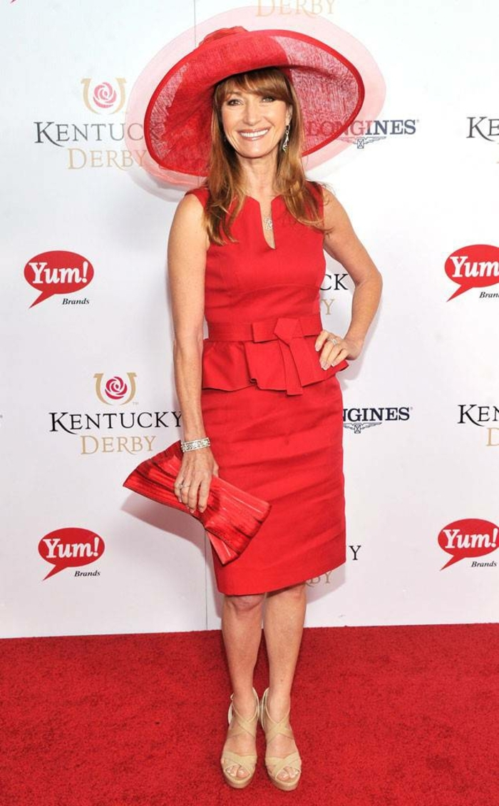 capeline bords amples, Jane Seymor, sac à main original, couleur rouge, chapeau mousseline
