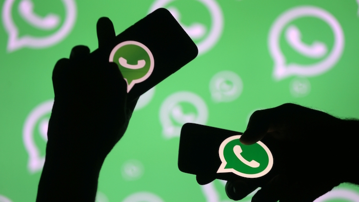 WhatsApp veut limiter la diffusion de fake news en filtrant l accès de chacun à des groupes de discussions