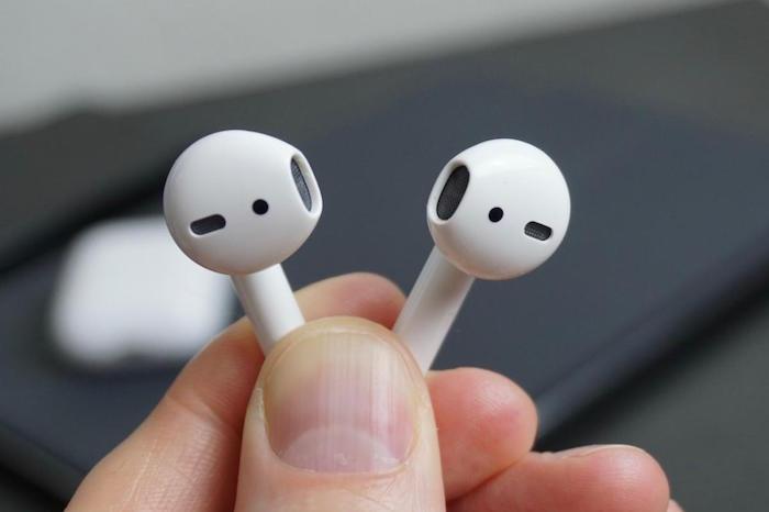 Microsoft entend s'attaquer au leadership des AirPods d'Apple avec le lancement de ses écouteurs sans fil Surface Buds