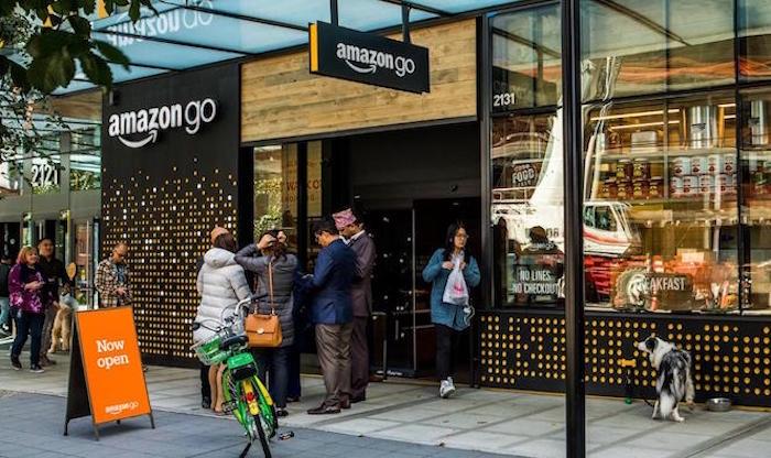 extérieur magasin Amazon Go automatique qui vont installer de nouvelles caisses avec moyens de paiement classiques