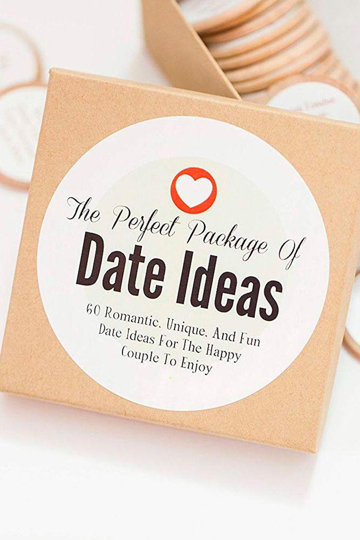 Idées de rendez vous, originale idée cadeau couple, choisir un cadeau pour couple, choix de cadeau pour les mariés