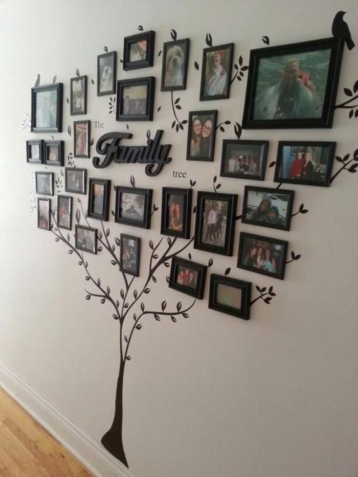 arbre déco avec photos de famille encadrées, mur design pour intérieur personnalisé