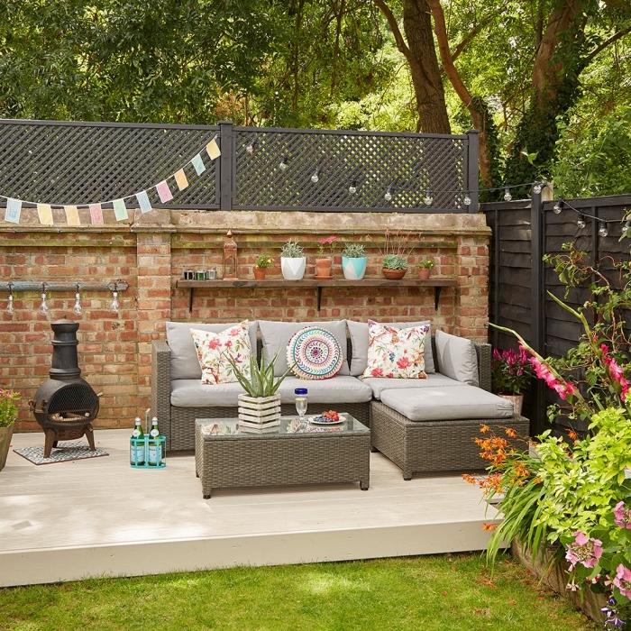 Comment dcorer une terrasse avec du noir salon de jardin