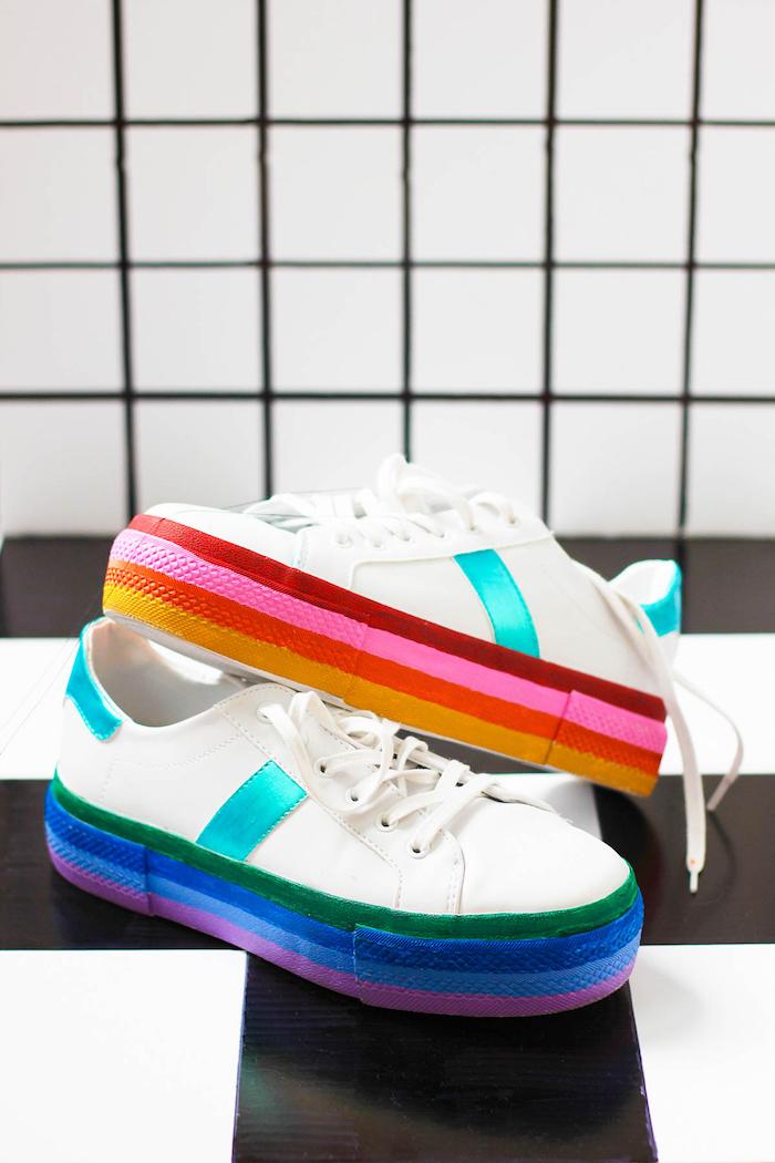 cadeau a fabriquer soi meme, comment customiser ses sneakers blanches, modèle baskets fille décorées avec peintures textile