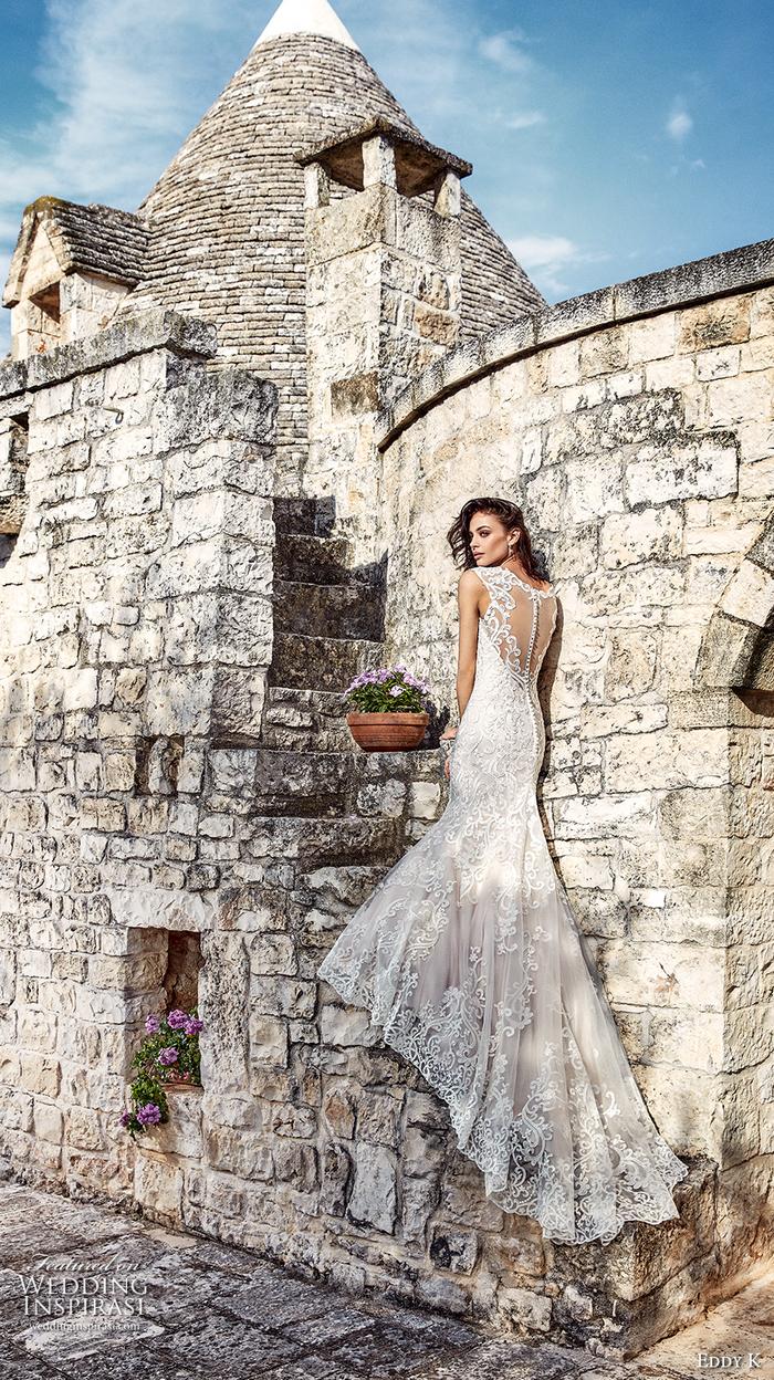 Alberobello mariage photo femme avec longue robe dentelle, robe de princesse mariage, les plus belles robes de princesse pour mariage
