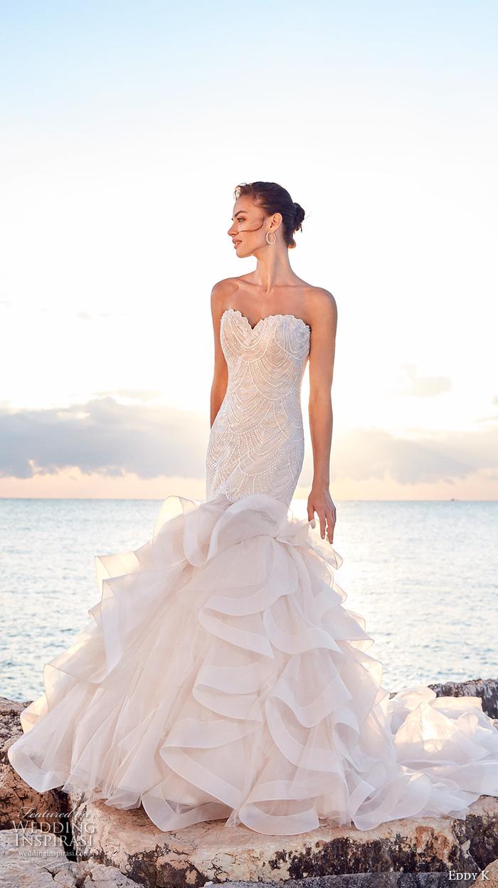 Robe mariage bustier sirène, robe de mariée dentelle princesse, élégante robe de mariée romantique photo au bord de la mer