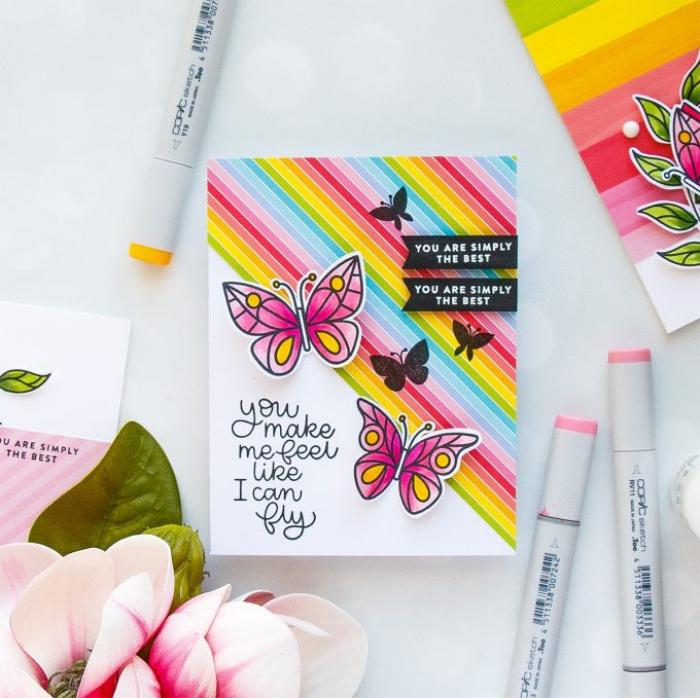 jolie carte fête d'anniversaire à motifs papillons 3d et arc-en-ciel avec des banderoles noires à message personnalisé