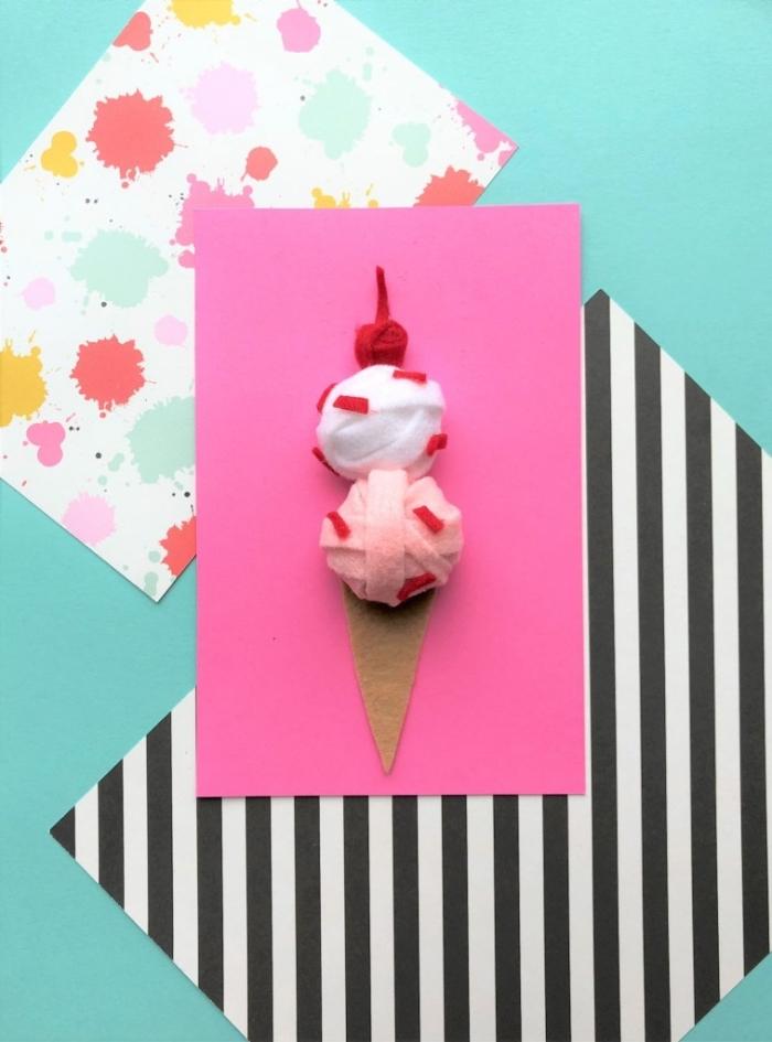 carte anniversaire petite fille en papier rose décorée de cornet à glace en feutre, carte de voeux girly personnalisée