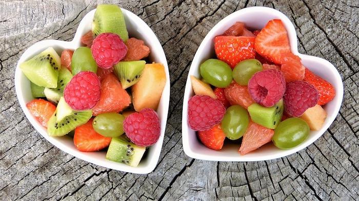 Salade de fruits d'été idée de cadeau pour la fête des mères, envoyer message à maman, bonne fête des mères, image fete mere