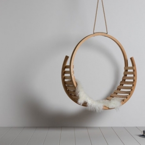 Le charme de la chaise suspendue d'intérieur et sa fixation