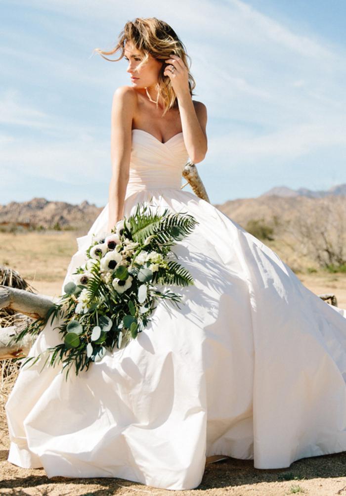 Simple robe de mariée en bustier, robe de mariée 2019 inspiration, classique robe mariage blanche