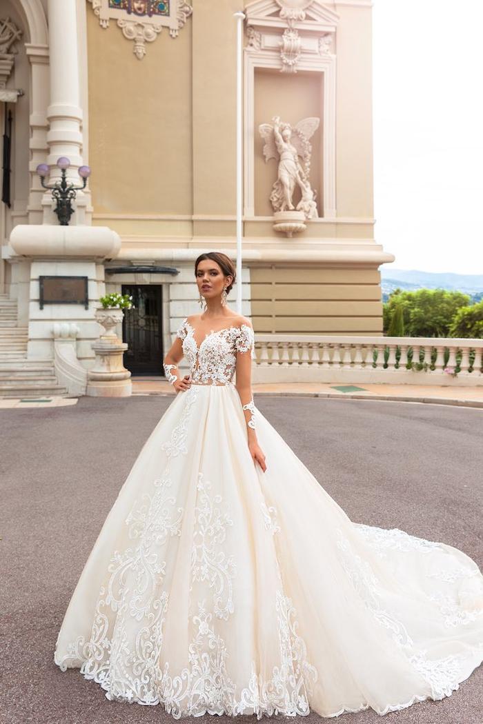 Dentelle robe de mariée romantique modèle princesse, idée modèle de robe de mariée tulle