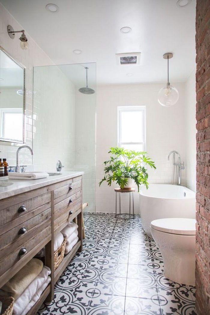 Chaise bois et métal, salle de bain gris et blanc, idée salle de bain moderne style nordique avec meubles en bois et plantes vertes pour décoration