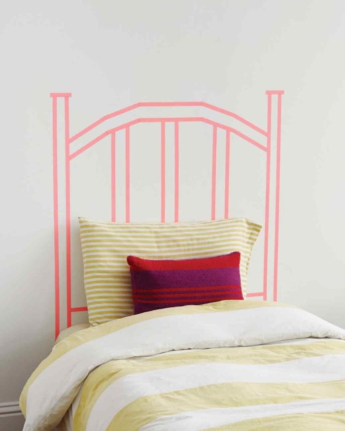personnaliser une chambre d'enfant, idée activité manuelle pour faire une déco chambre fille, tête de lit en masking tape