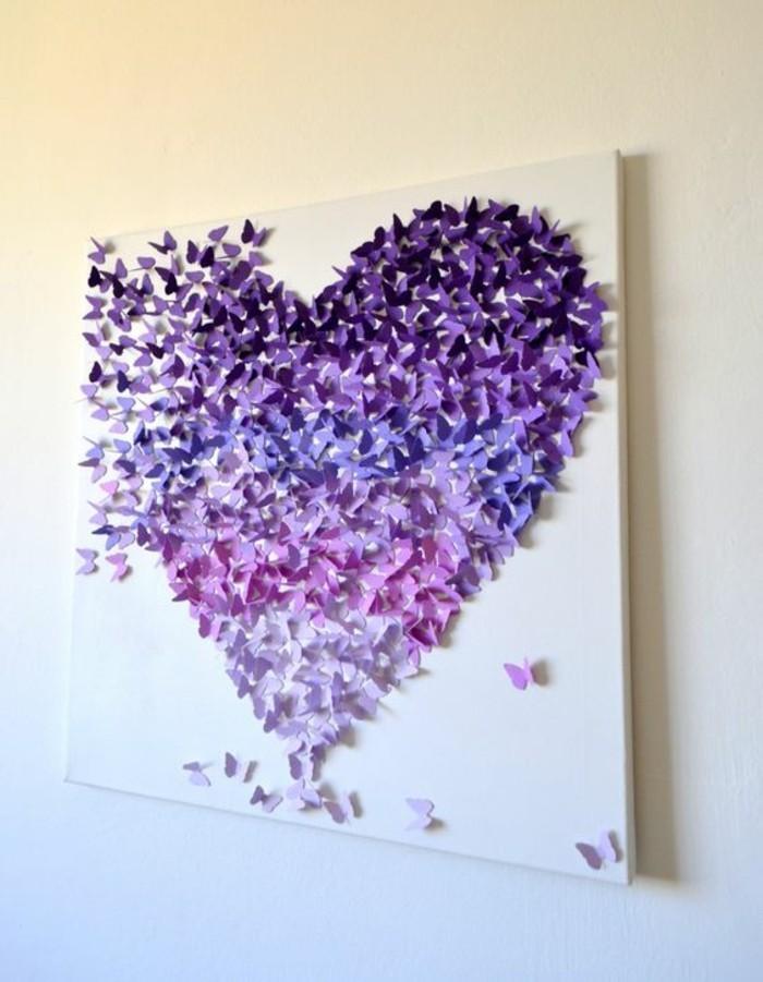grand coeur créé avec papillons en papier plié, tableau pour salon joli avec figures 3d