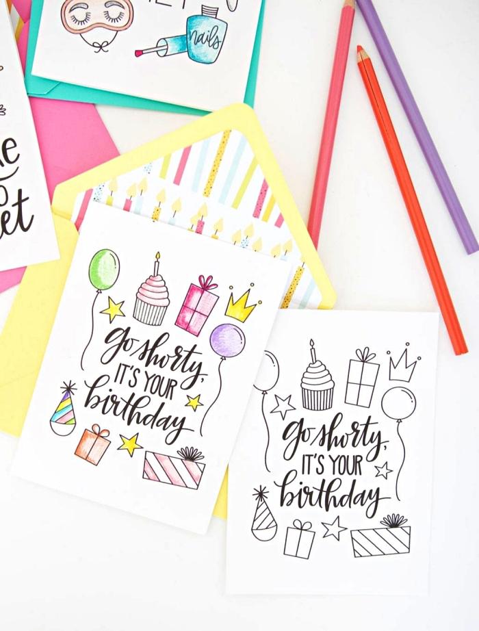modèles de carte d'anniversaire girly à imprimer et à colorier, jolies cartes anniversaire à motifs gourmands et girly