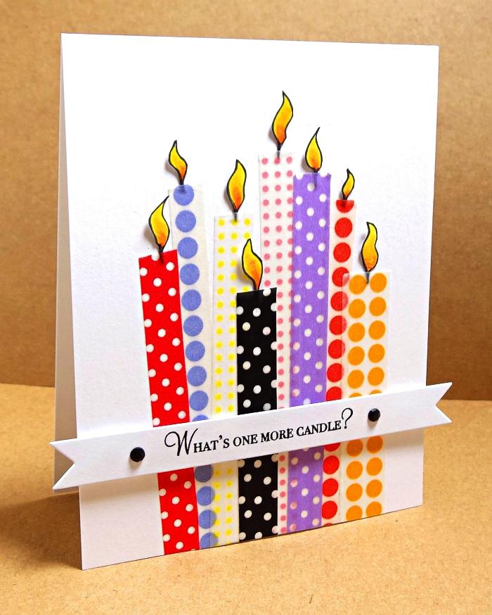 jolie carte bonne fête décorée de bougies en masking tape à pois de couleurs différentes et d'une banderole joyeux anniversaire