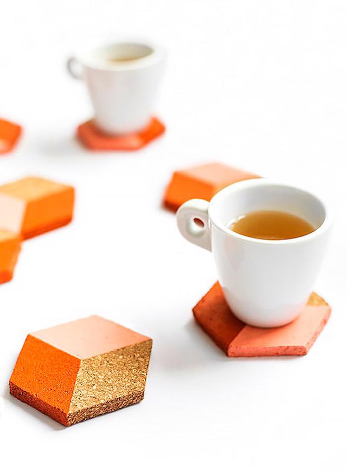 Cool idée de cadeau DIY coloré liège pour café et thé, cadeau anniversaire de mariage, quoi offrir pour un mariage