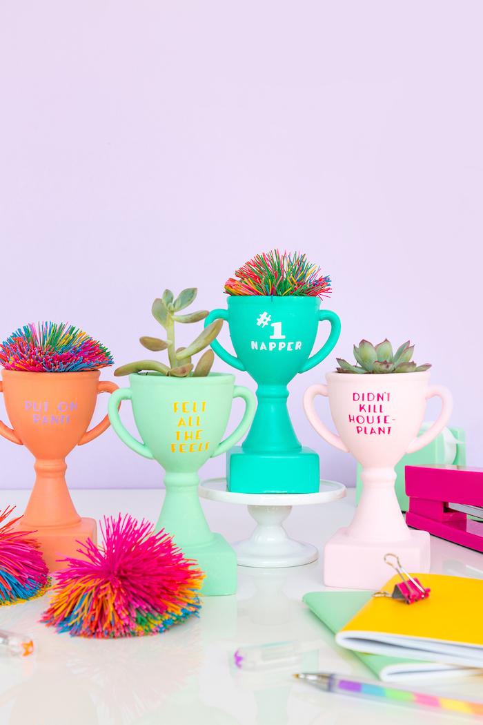 objets de décoration à fabriquer soi même, cadeau meilleure amie fait maison, modèle vase trophée fait main