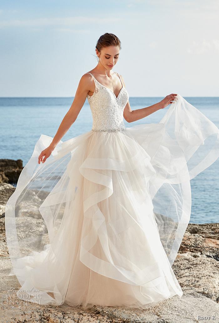 Dentelle top débardeur, jupe fleur longue, inspiration robe de mariée style princesse, trouver la plus belle robe
