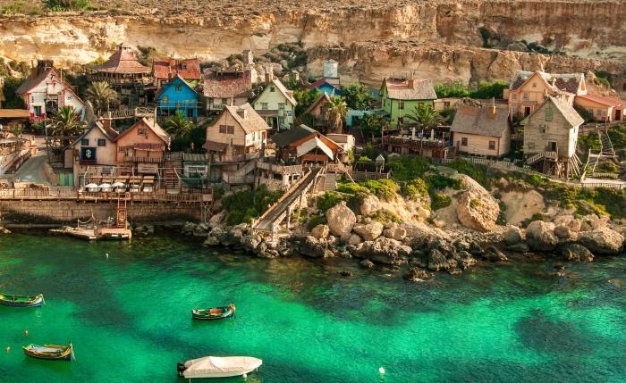photo village de Popeye Malta, choisir un bel fond d'écran pour son ordinateur, exemple de fond d écran gratuit