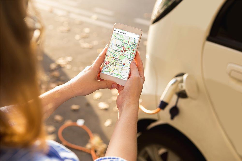 il est désormais possible de trouver facilement les stations de recharge libres pour véhicules électriques les plus proches avec l'application Google Maps