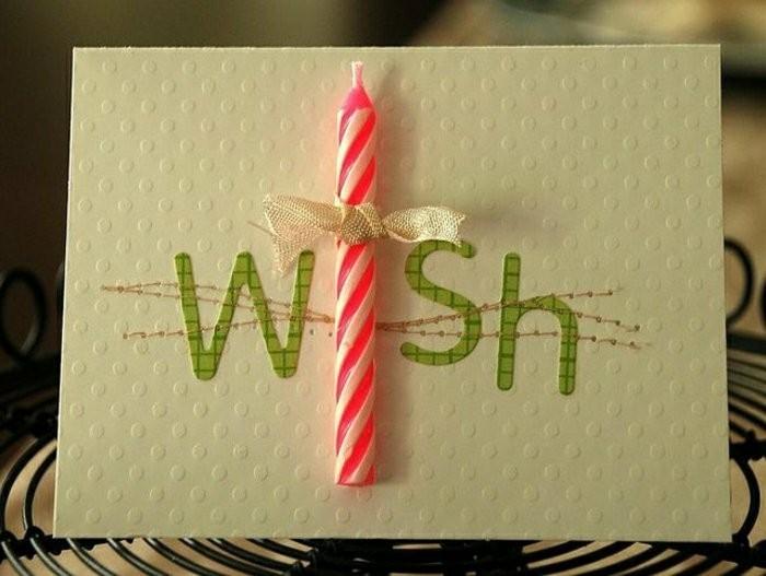 carte anniversaire enfant en papier cartonné embossée décorée d'une bougie, d'une broderie et d'une inscription en papier imprimé vert