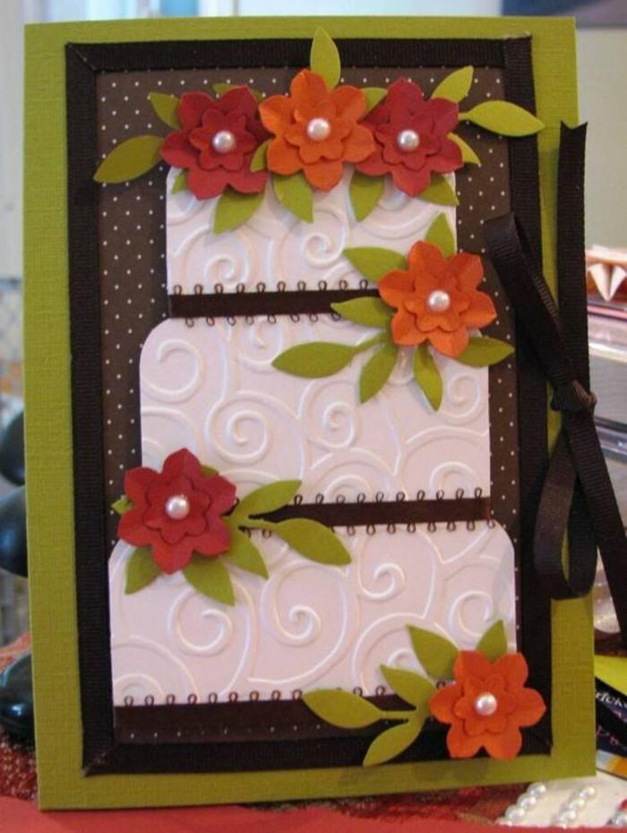 papeterie scrapbooking personnalisée, carte anniversaire originale en vert et marron motif gâteau d'anniversaire décorée de petits embellissements scrapbooking