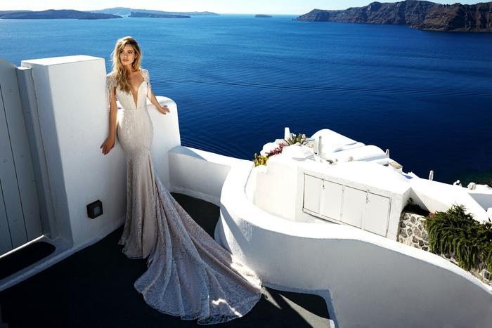 Mariage d'été robe magnifique, photo de Santorin, robe de mariee romantique, robe pour mariage élégante, robe de mariée fluide