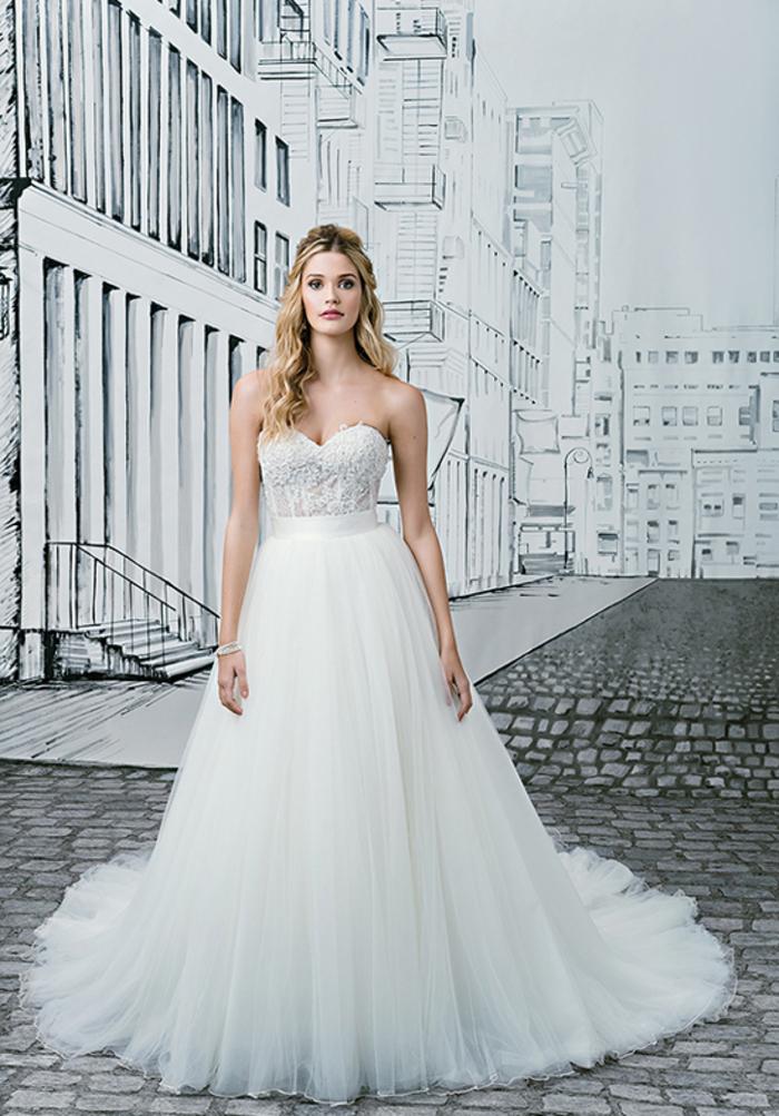 Bustier robe jupe volumineuse, coupe A robe de mariée fourreau ou silhouette en A, choisir sa robe de mariage