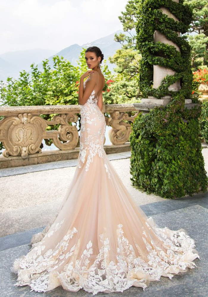 Formidable robe de mariage rose coupe sirène, tenue de mariage jeune femme, les robes de mariage luxueuses