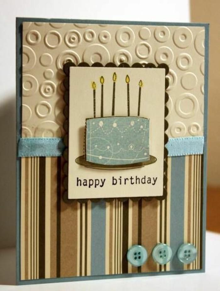jolie carte anniversaire homme en papier texturé et en papier imprimé décorée de petits embellissements scrapbooking