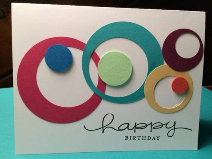 idée pour faire une carte d'invitation facile et personnalisée, carte de voeux avec motifs cercles 3d en papier cartonné de couleur