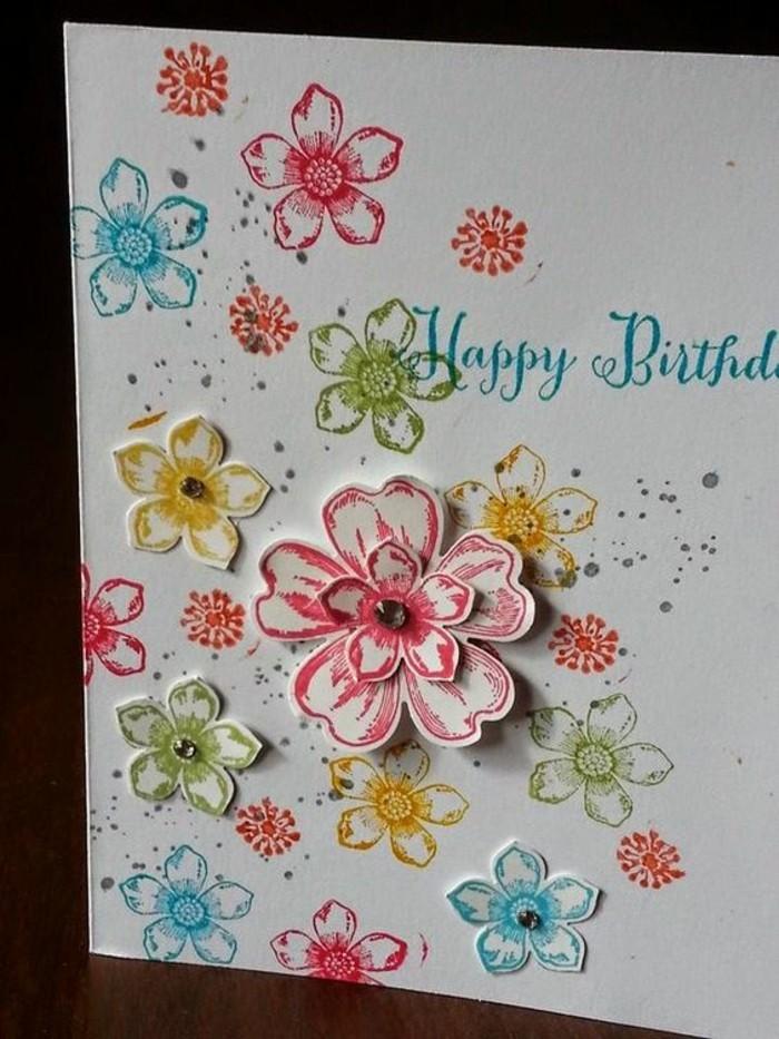 jolie carte d'anniversaire fille à motifs fleurs tamponnées accompagnées d'une écriture manuscrite, carte de voeux 3d à motifs fleuris